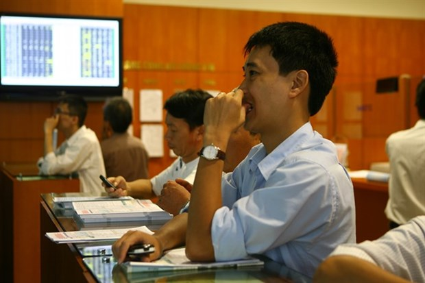 Stocks advance on oil deal hinh anh 1