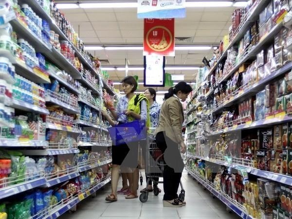 Retail sales, services earn 160 billion USD hinh anh 1