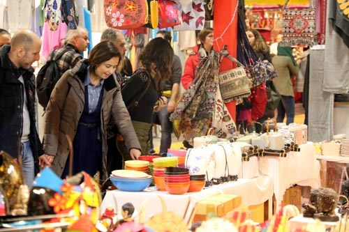 Vietnam brings variety of traditional craft creations to Italian fair hinh anh 1