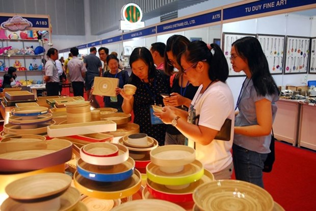 Seminar improves value chain of Vietnam's handicraft sector hinh anh 1