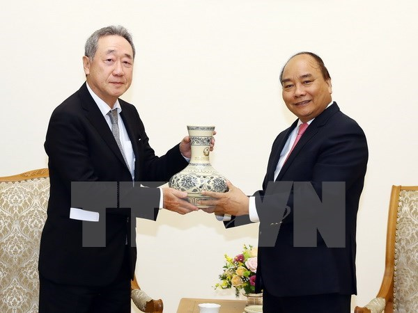 PM promises optimal conditions to Korean investors hinh anh 1