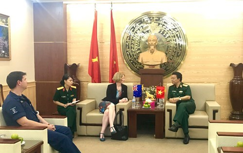New Zealand provides English training courses for Vietnamese soldiers hinh anh 1