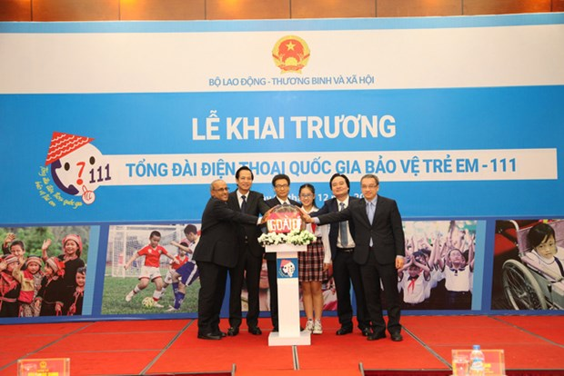 MOLISA launches new children protection hotline at 111 hinh anh 1