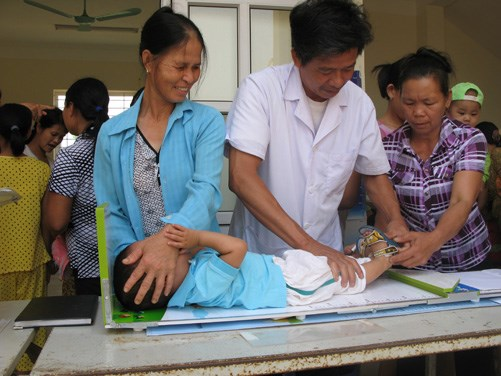 Communication work helps prevent malnutrition in ethnic minority children hinh anh 1