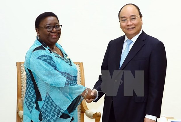 Prime Minister Nguyen Xuan Phuc receives Liberian foreign minister hinh anh 1