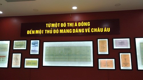 Exhibition showcases old documents on French culture in Hanoi hinh anh 1