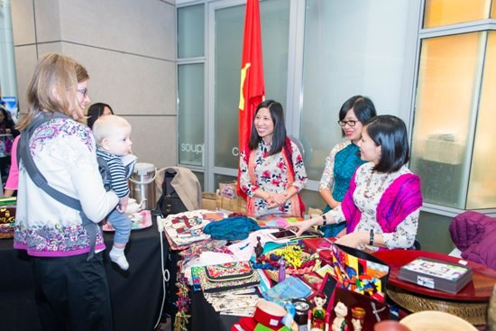 Vietnamese culture promoted at Winternational Embassy Showcase hinh anh 1