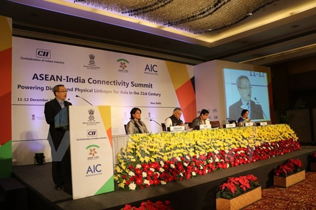 Vietnam attends ASEAN-India Connectivity Summit hinh anh 1