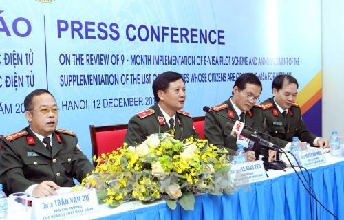 E-visa issuance grows each month: immigration official hinh anh 1