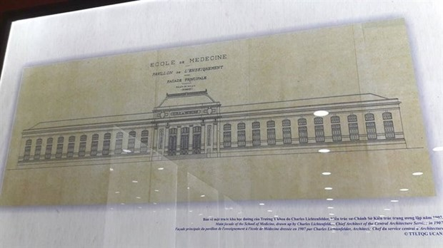 Exhibition showcases old documents on French culture hinh anh 1