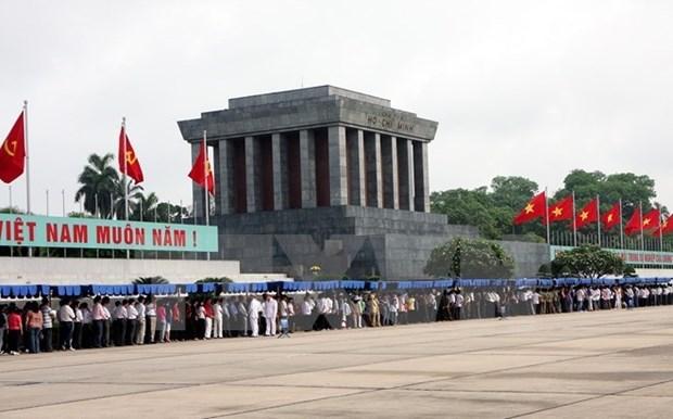 War veterans honour late President Ho Chi Minh hinh anh 1