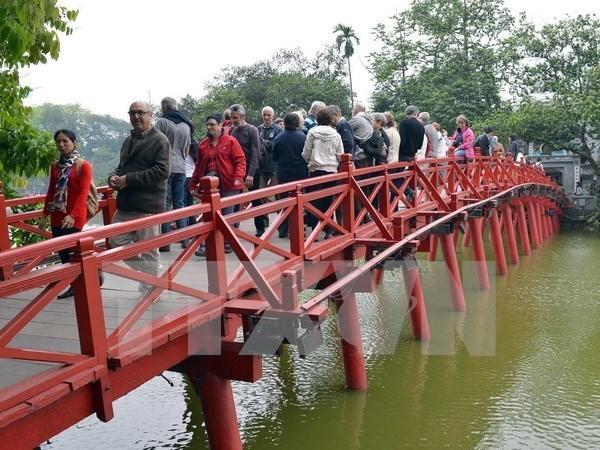Hanoi meets tourism target hinh anh 1