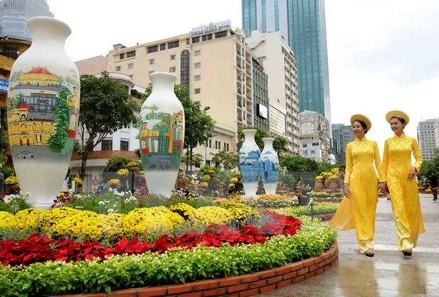 HCM City: Nguyen Hue flower street to celebrate Lunar New Year hinh anh 1