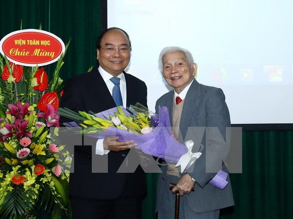 PM asks mathematics institute to apply technologies to boost production hinh anh 1