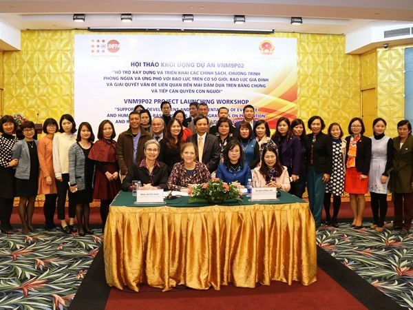 UNFPA helps Vietnam respond to gender-based, domestic violence hinh anh 1