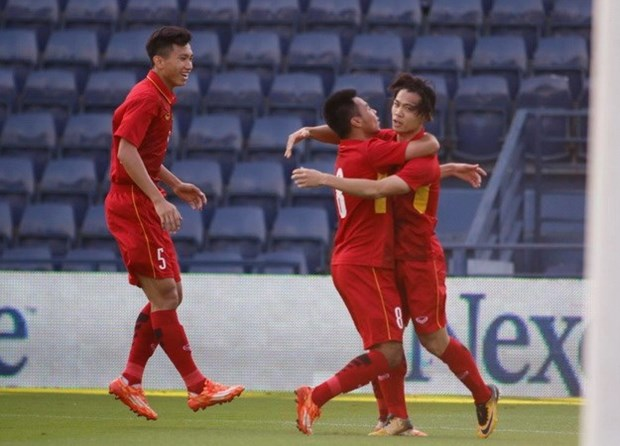 Vietnam beat Thailand, take third place in M-150 Cup hinh anh 1