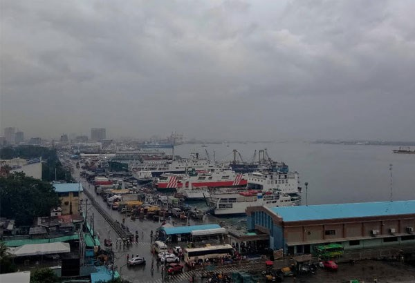 Philippines: Thousands evacuate over fear of storm hinh anh 1