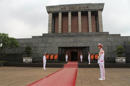 Latin American diplomats pay tribute to President Ho Chi Minh hinh anh 1
