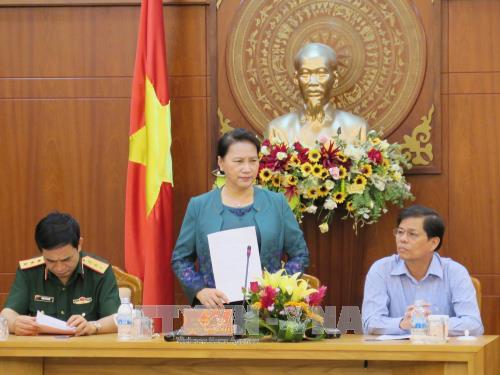 Top legislator examines Khanh Hoa's socio-economic performance hinh anh 1