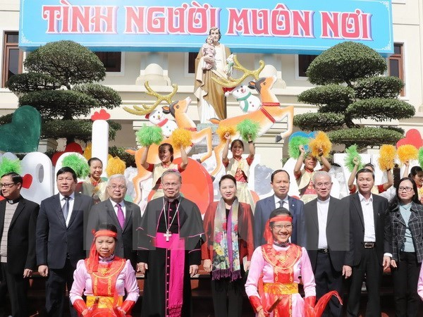 Top legislator extends Christmas greetings to Thanh Hoa's Catholics hinh anh 1