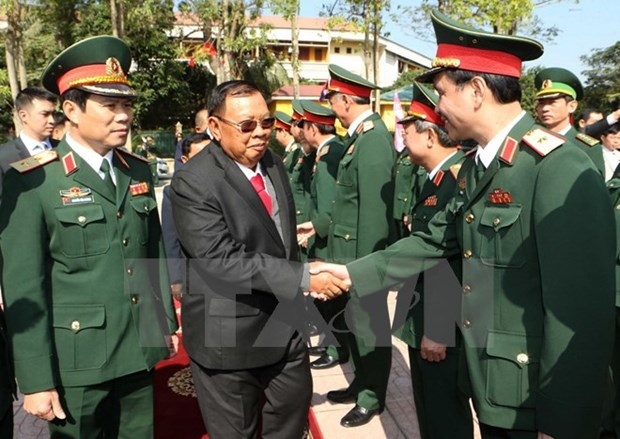 Vietnam, Laos need to further develop ties more than ever: Lao Party leader hinh anh 1