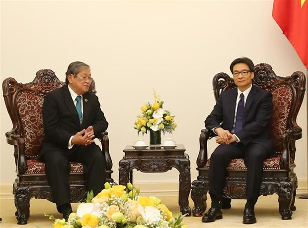 Deputy PM greets Cambodian Information Minister hinh anh 1