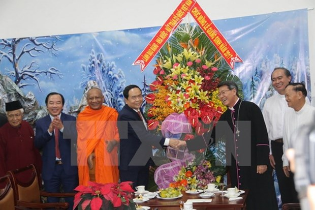 VFF leader extends Christmas greetings to religious community hinh anh 1