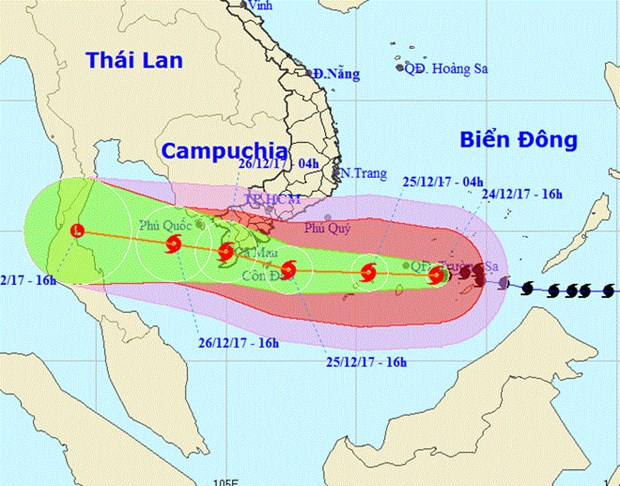 PM requests high vigilance in response to typhoon Tembin hinh anh 2