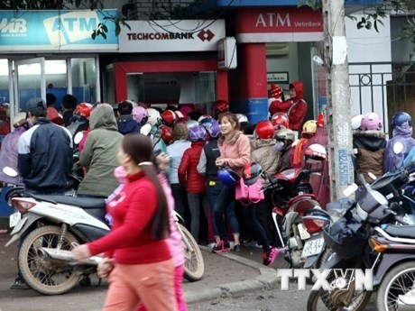SBV wants ATMs to run efficiently before Tet hinh anh 1