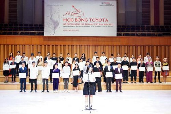 Eighty-five young Vietnamese music talents get Toyota scholarships hinh anh 1