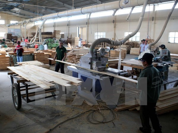Nearly 8 billion USD of forestry products exported in 2017 hinh anh 1