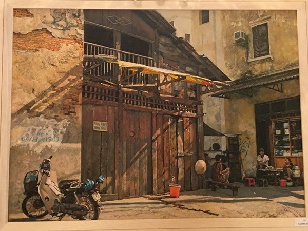 Realist artists depict Hanoi's life hinh anh 1