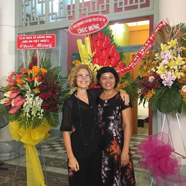 Italian artist inspired by sudden bond, friendship with Vietnam hinh anh 1