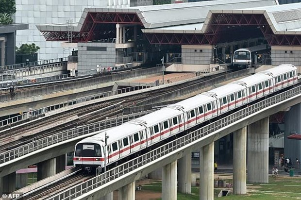 Singaporeans charged for metro-related corruption hinh anh 1