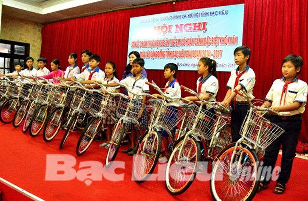 Bac Lieu cares for underprivileged children hinh anh 1