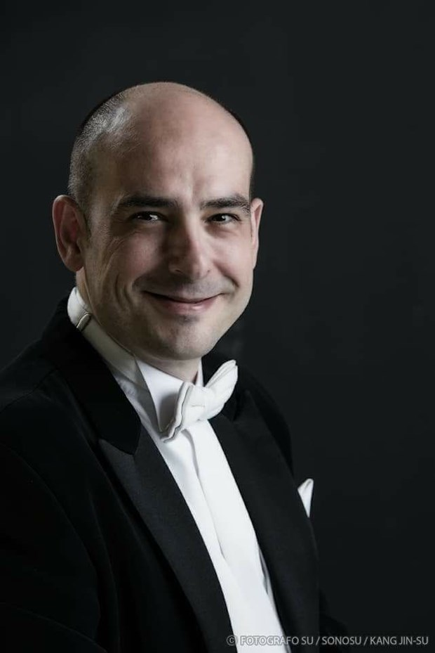 New Year concert features Spanish conductor hinh anh 1