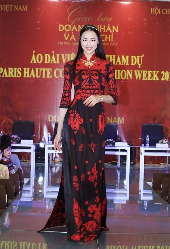 Ao dai collection opens Paris Fashion Week-Haute Couture 2018 hinh anh 1