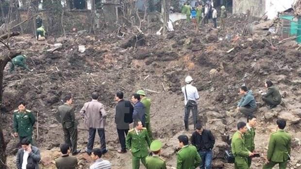 Explosion kills 2 children, injures 8 hinh anh 1