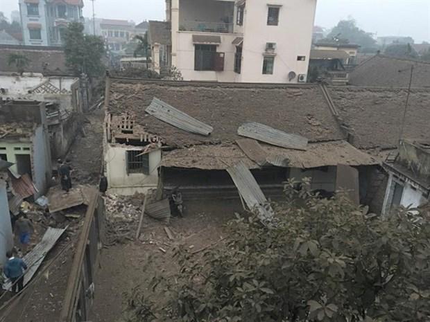 Explosion kills 2 children, injures 8 hinh anh 2