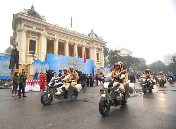 Year of Traffic Safety 2018 launched in Hanoi, Ho Chi Minh City hinh anh 1