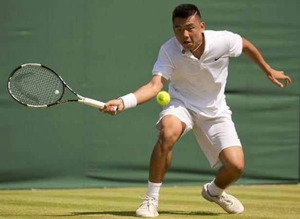 Ly Hoang Nam still among world's top 500 tennis players hinh anh 1