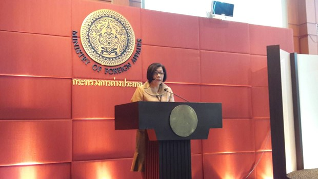 Thailand, UK discuss cooperation in various aspects hinh anh 1