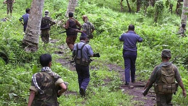 Abu Sayyaf terrorist group beheads two Filipinos hinh anh 1
