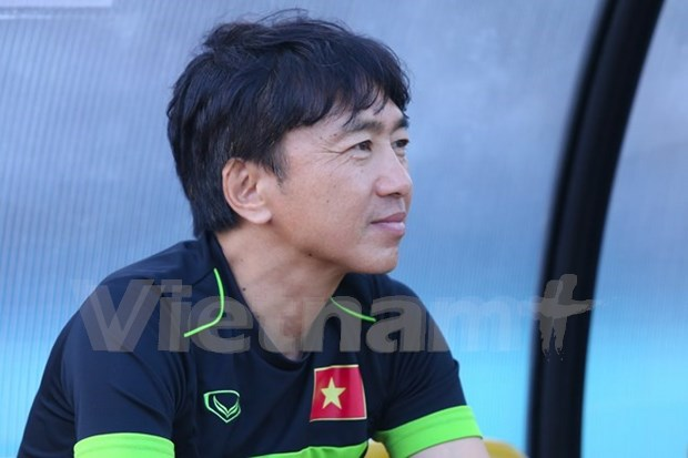 Ex-Vietnam coach takes rein at HCM City hinh anh 1
