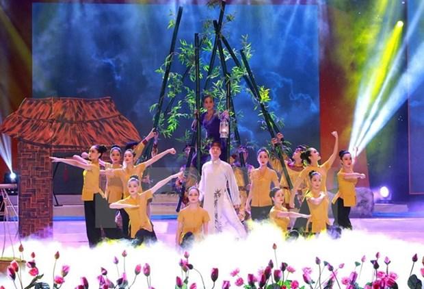 Art programme honours patriotism, Vietnamese heroic mothers hinh anh 1