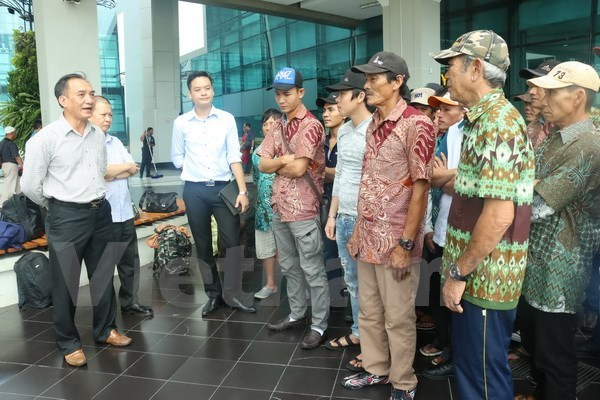 Indonesia repatriates Vietnamese fishermen ahead of lunar New Year hinh anh 1