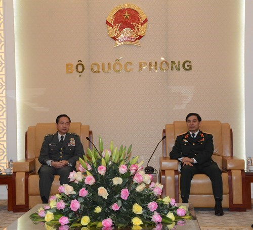 Defence cooperation contributes to Vietnam-Japan relations hinh anh 1
