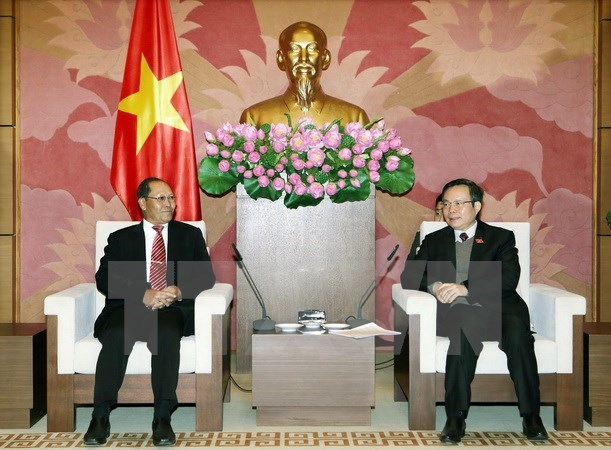 Vietnam, Laos share law-making experience hinh anh 1