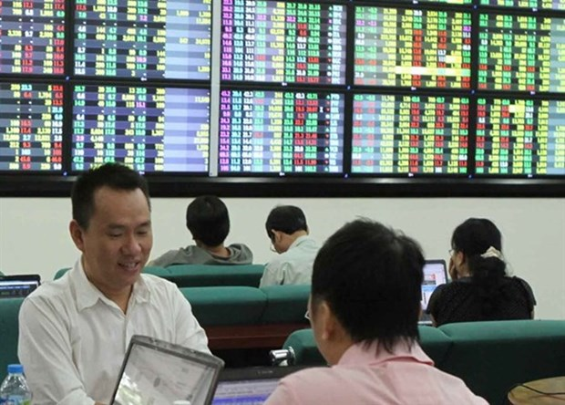 VN shares up on good financial results hinh anh 1