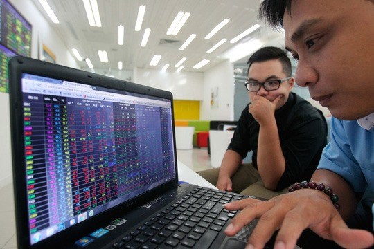 Vietnam's shares up on earnings prospects hinh anh 1